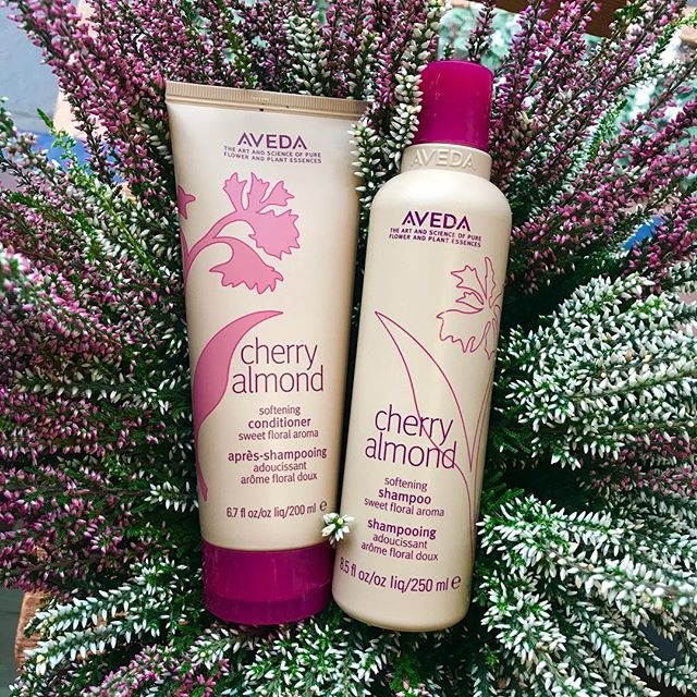 🍒🍒🍒A softening shampoo & conditioner for all hair types that provides touchably soft and sweet smelling hair, whilst restoring shine. With ingredients that are 100% derived 🍒🍒🍒 #cherryalmond #crueltyfreehaircare #avedaproducts @aveda @avedauk