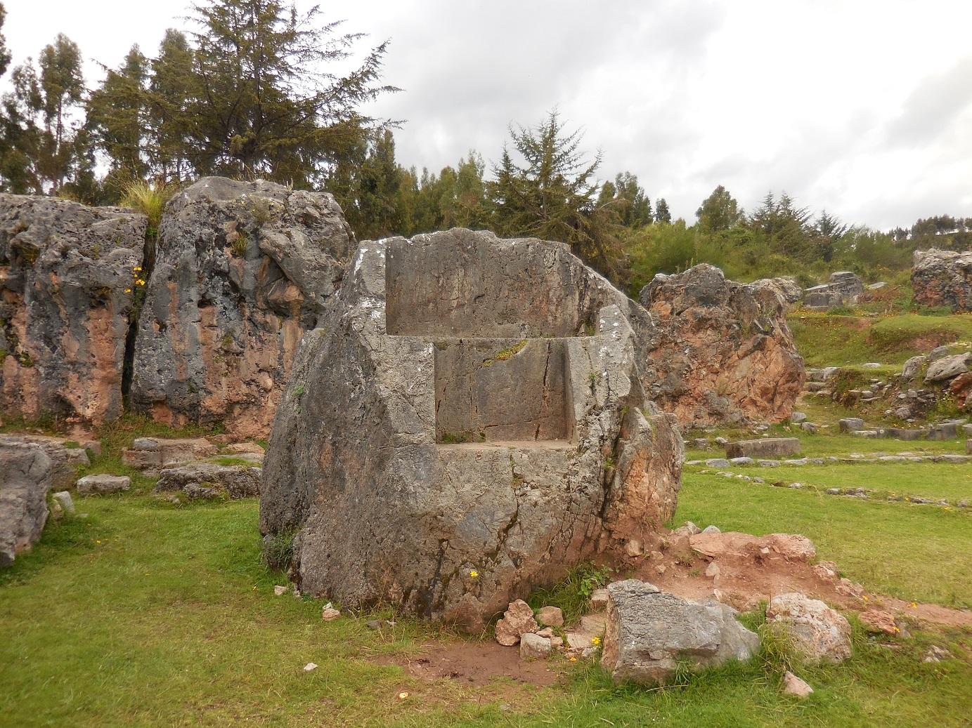 Saqsaywaman Statue stone or seat?