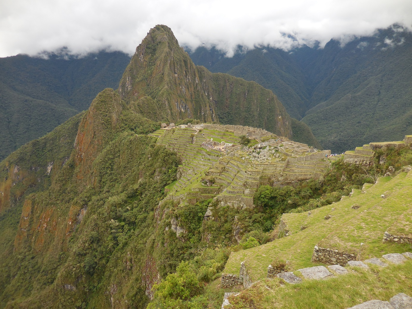 Town and Waynapicchu