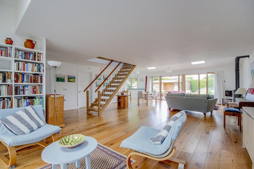 artist_house_interior_1.jpg
