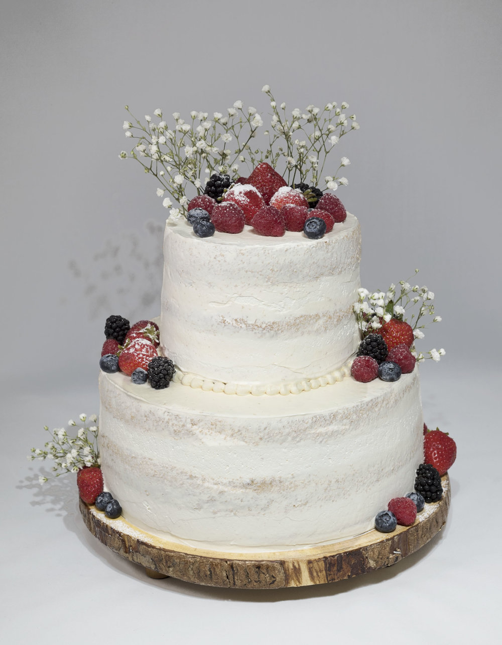 <strong>Cake 6:</strong> 2-Level Vanilla Bliss Wedding Cake
