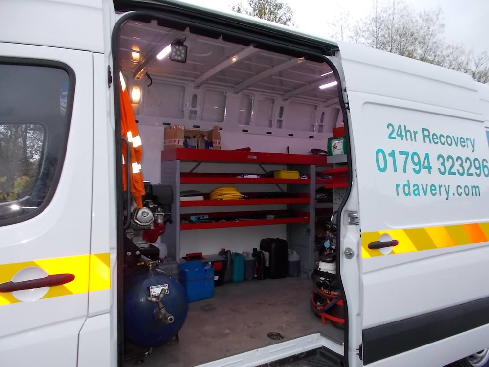 ROADSIDE ASSISTANCE Winchester - As a first port of call, our trained roadside response technicians will get to you quickly wherever you are in Winchester and troubleshoot your problem. Where necessary coordinate recovery efforts with our 24/7 recovery operations centre.