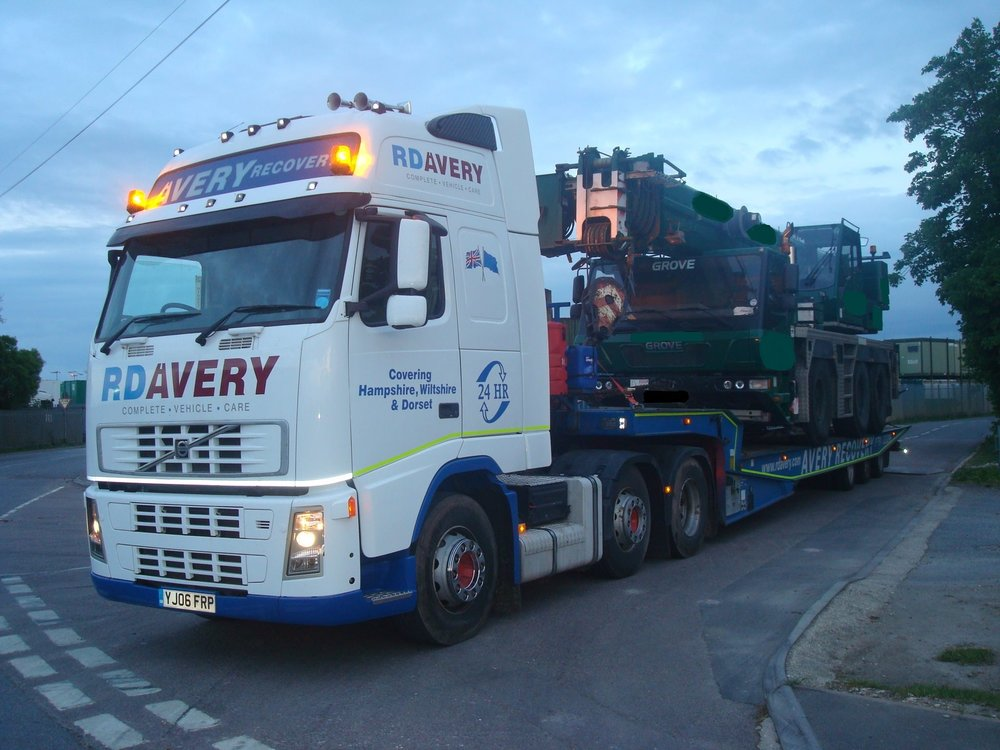 Low Loader RECOVERY SUPPORT - Where required, we can provide complete vehicle uplift and transfer to nationwide destinations or place of repair with our specialist low loader support vehicle.