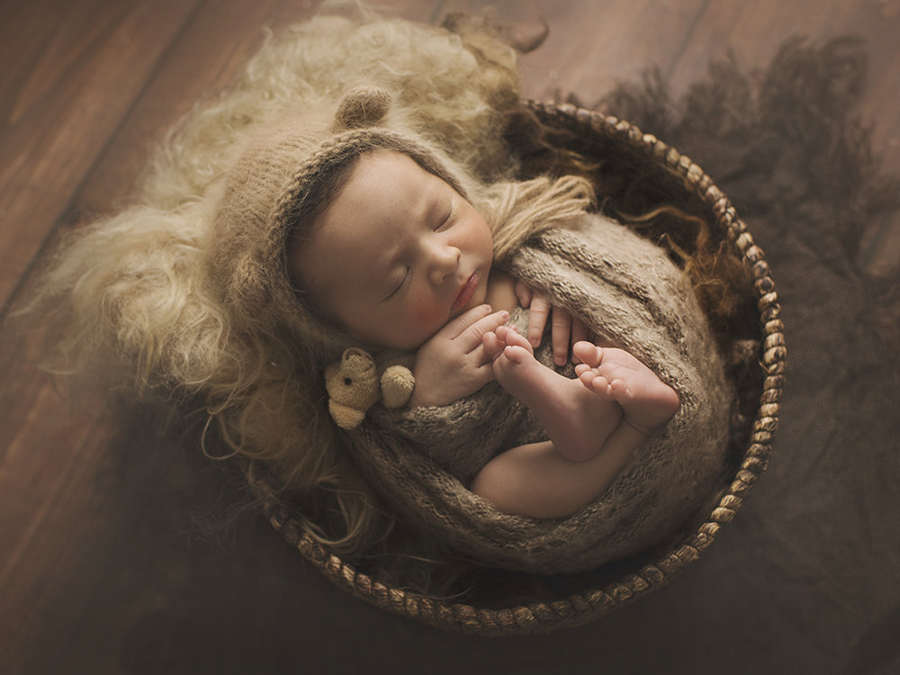 Calgary Newborn Photographer.