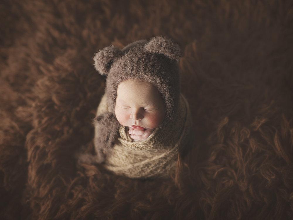 calgary-infant-photographer.jpg