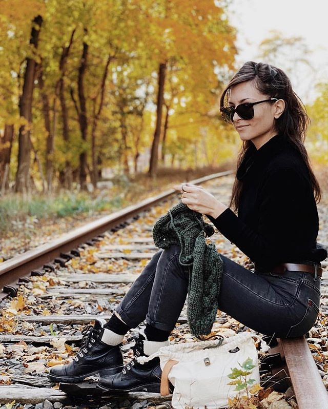 Being a badass and knitting/crochet go hand in hand 🚂🧶📸: @niree_knits