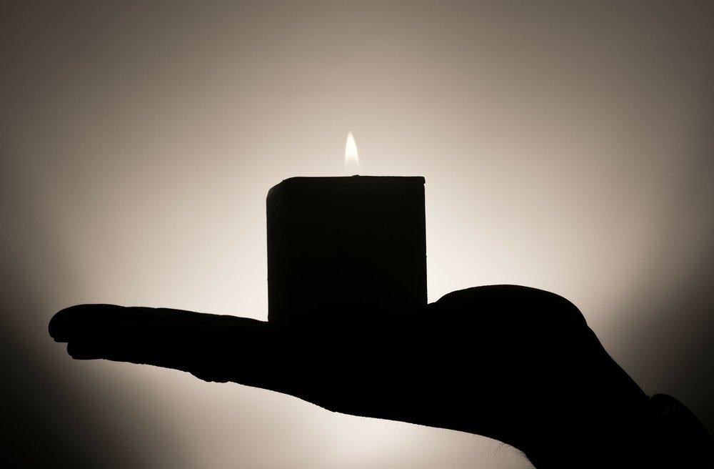 candle-335965_1920.jpg