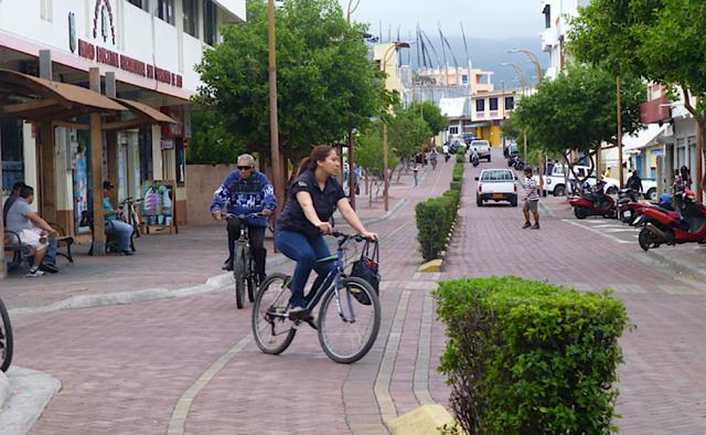 Bicycle lane, Puerto Ayora