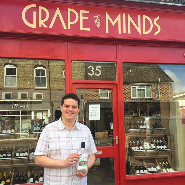 Jolly good news, Tipplers! We are now stocked by the good folk @grapemindsoxford North Oxford's own independent wine & spirits merchant, based in Summertown and established by two young wine lovers with a little history in the area. Discerning Oxford folk, please support local and pop in! Cheers! . . . #thedriverstipple #grapeminds #grapemindsdrinkalike #craftdrinks #designateddriver #distilled #nonalcoholic #Summertown #Oxford #NorthOxford #supportlocal