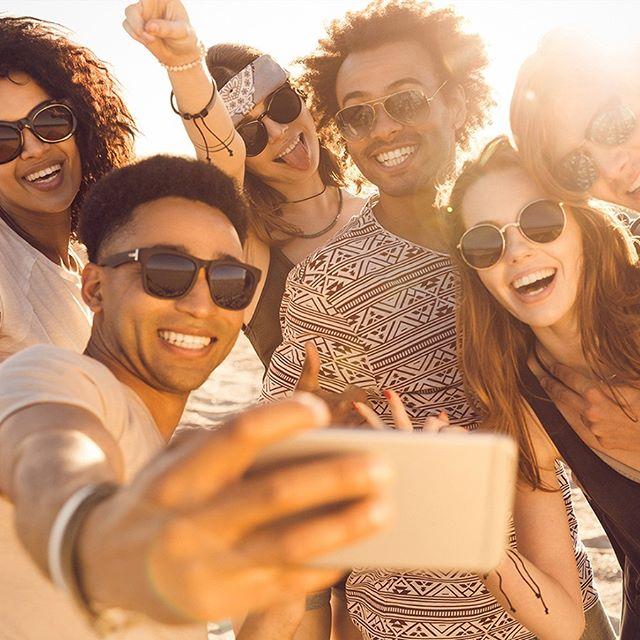 Tem coisa melhor do que aproveitar o mês de janeiro com a galera? Aproveitem os encontros para tirar aquela selfie e postar no Instagram. 💚 #ClubLifeBrasil #Verão2019