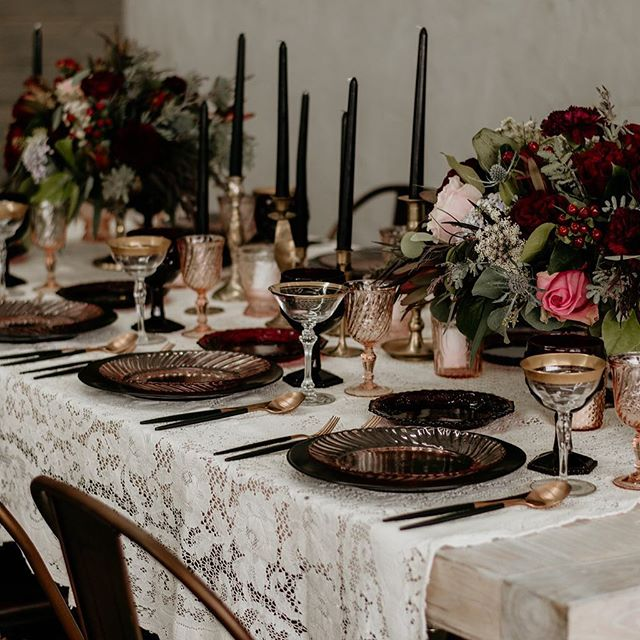 There's so much to explore when designing tablescapes. I can't wait to share our NOLA vendors for our first event. 📷: @shaylabehringer