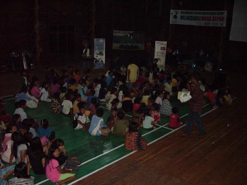 Yayasan Oangutan Indonesia - Village campaign