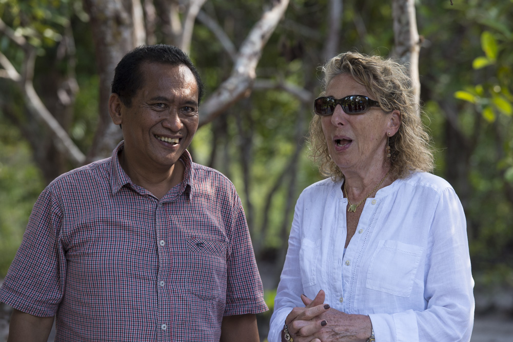 OF Director Ashley Leiman OBE with Pak Adib, Head of Wildlife, Central Kalimantan. Image© Ian Wood.