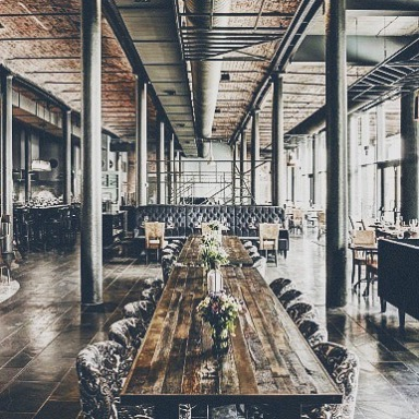 Anyone else heading to the Wedding On the Docks in Liverpool? We had to go as soon as we found out where it was. Look at this venue!! 😍❤️🤤 #weddingonthedocks #bridesupnorth #antibridetribe #alternativebride #liverpool #weddingvenue #weddingfair #love #bride