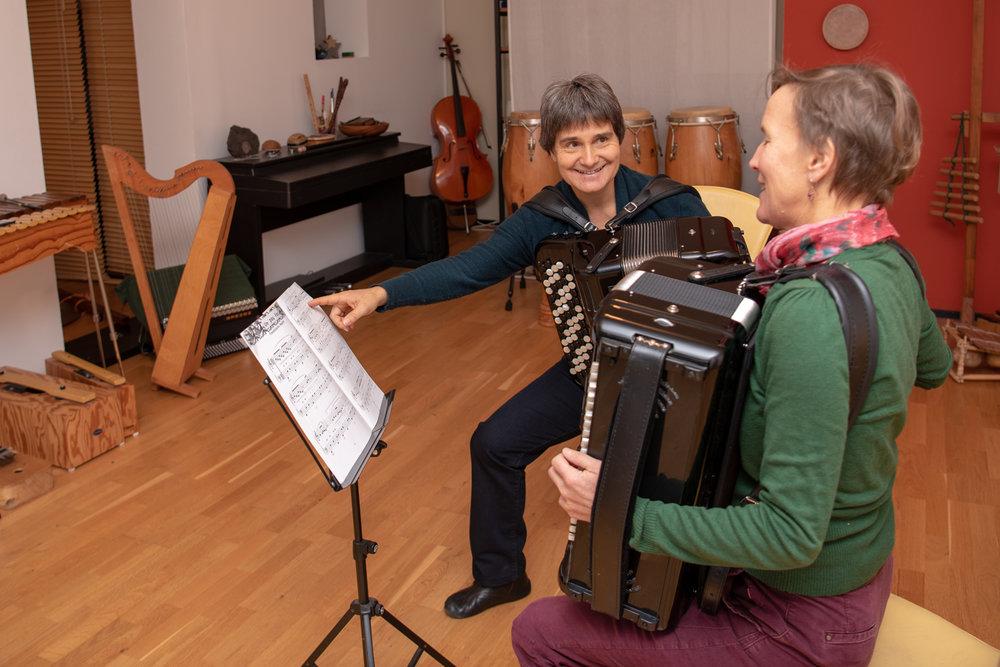 DSC_2535Esther Kaufmann Akkordeon Perkussion Unterricht Luzern.jpg