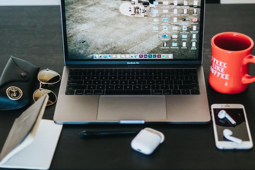 Längd:  10 träningstillfällen   Önskad effekt:  Upptäck vad olika mentala verktyg kan ge dig för att hantera utmaningar, stress i vardagen och för att lyckas med det som är viktigt för dig.   Följande ingår:  Träna 10 st valfria pass i vårt öppna schema. Du deltar smidigt där du är - via online möte i din dator, läsplatta eller smartphone.   Pris:  Tiobiljett 1400:-/person (inkl. moms) för träning under 12 veckor. Tiokortet är personligt.  Bokas och betalas via paypal i vårt  bokningssystem.