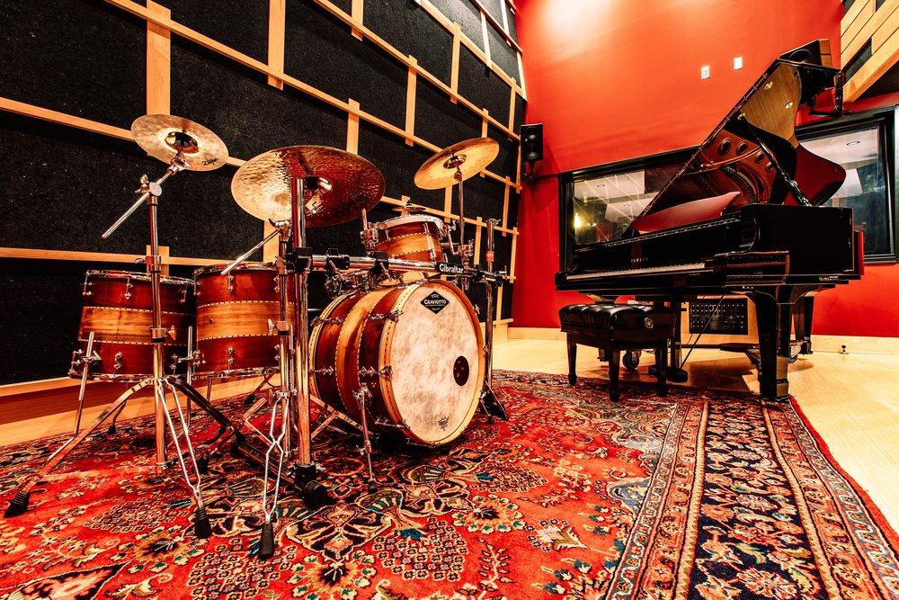 RedAmpAudio-Interiors-66_12.9MB..jpg