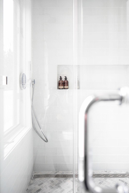 lms_design_bathrooms_4-30-19-0934.jpg