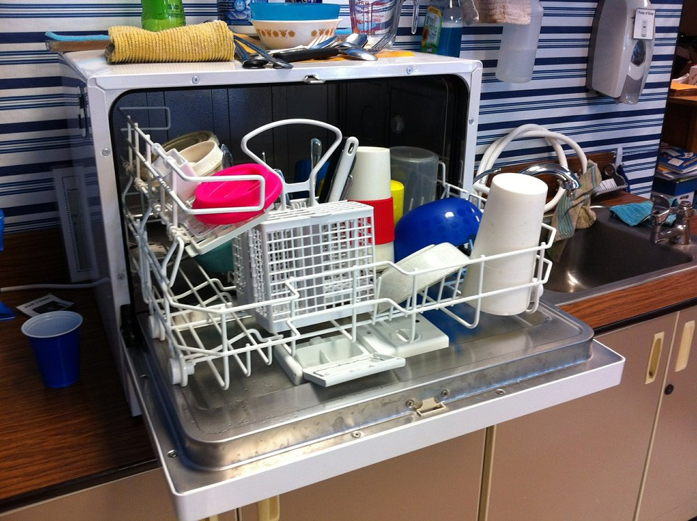 dishwasher-526358_1920.jpg