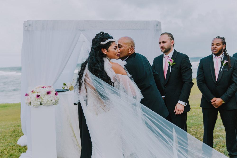 MonaBrock_Wedding_Previews-41.jpg