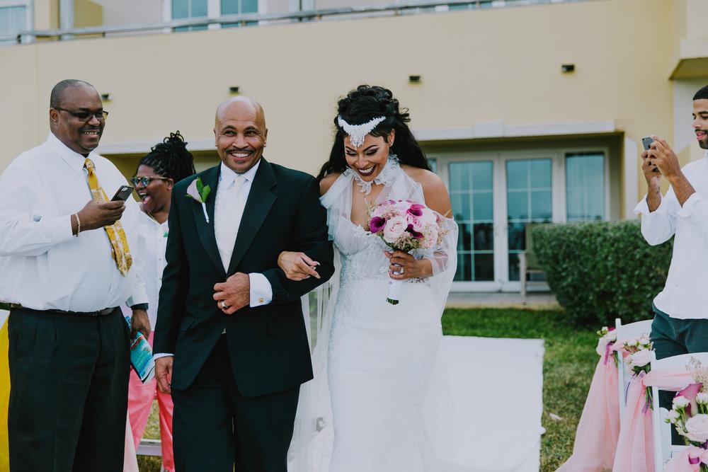 MonaBrock_Wedding_Previews-40.jpg