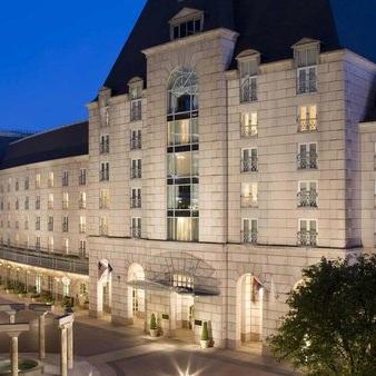 HOTEL CRESCENT COURT - DALLAS, TEXAS