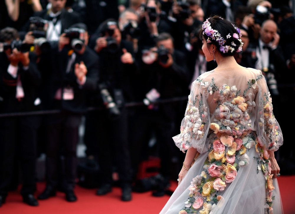 SOURCE:  https://www.eonline.com/photos/16033/best-2015-met-gala-gowns-from-every-angle/485311