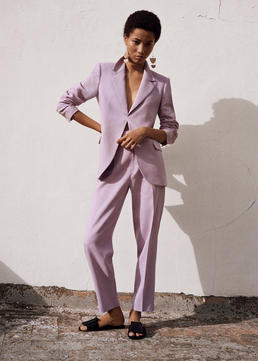 3. THE JACKET - MANGO: Structured Linen Jacket, £79.99Pair this lilac linen jacket with the matching trousers for a super cool formal look, or throw on over a baggy tee and skinny jeans for a dressy-yet-relaxed day look.