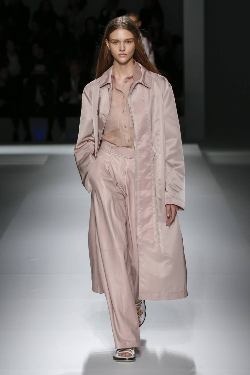 7. boss - These delicate rosy pink shades were all over the runway, but Boss went the extra mile and dressed their models head to toe in the colour, accented with white and burgundy accessories.