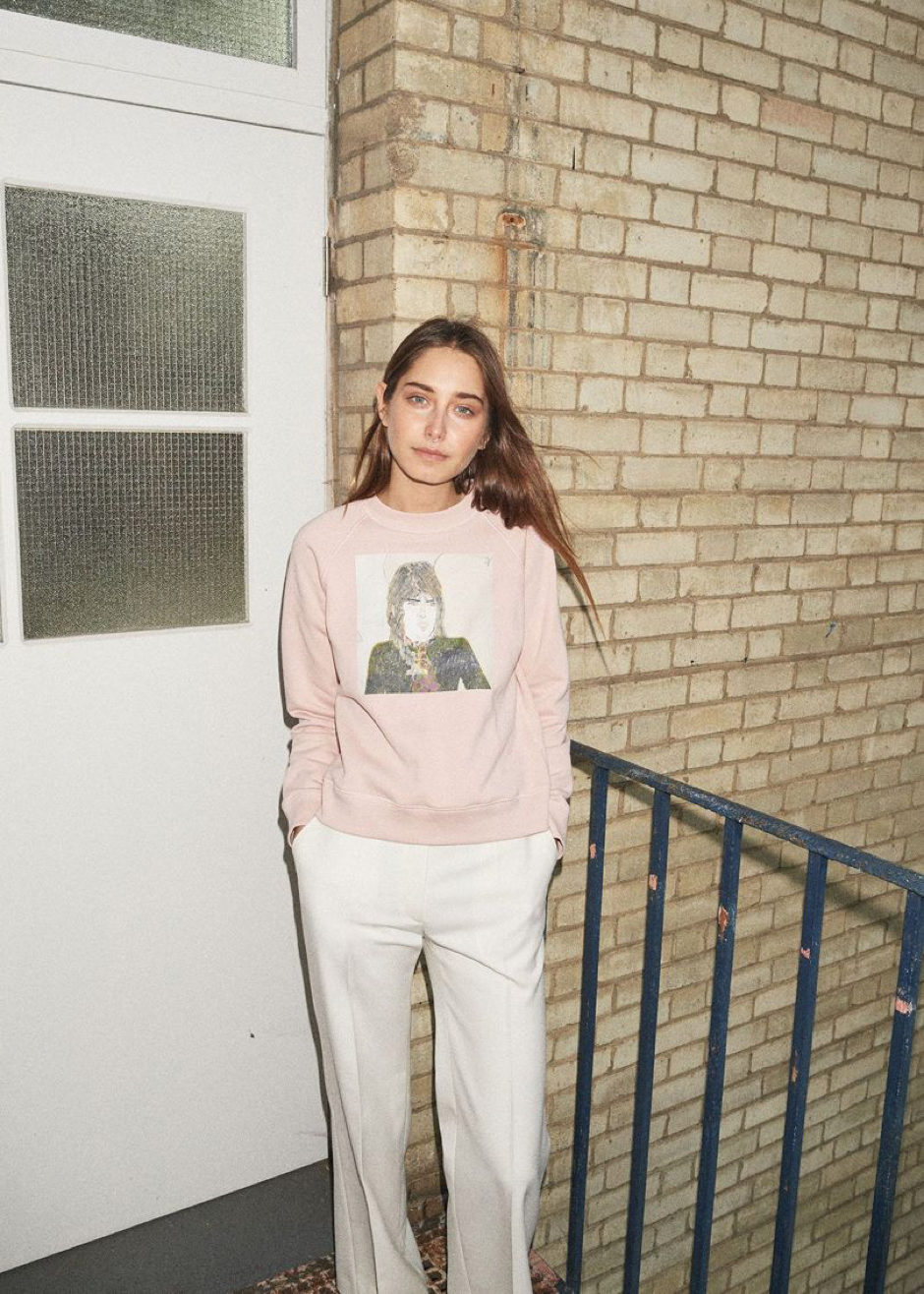 SOURCE:  http://www.vogue.co.uk/gallery/alexa-chung-clothing-line-pictures