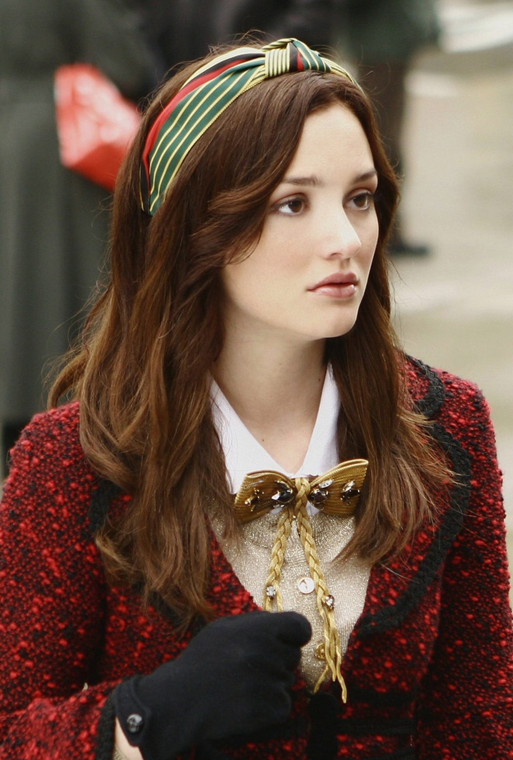 SOURCE:  https://www.bustle.com/articles/88629-7-blair-waldorf-headband-lookalikes-so-you-can-become-the-next-upper-east-side-it-girl