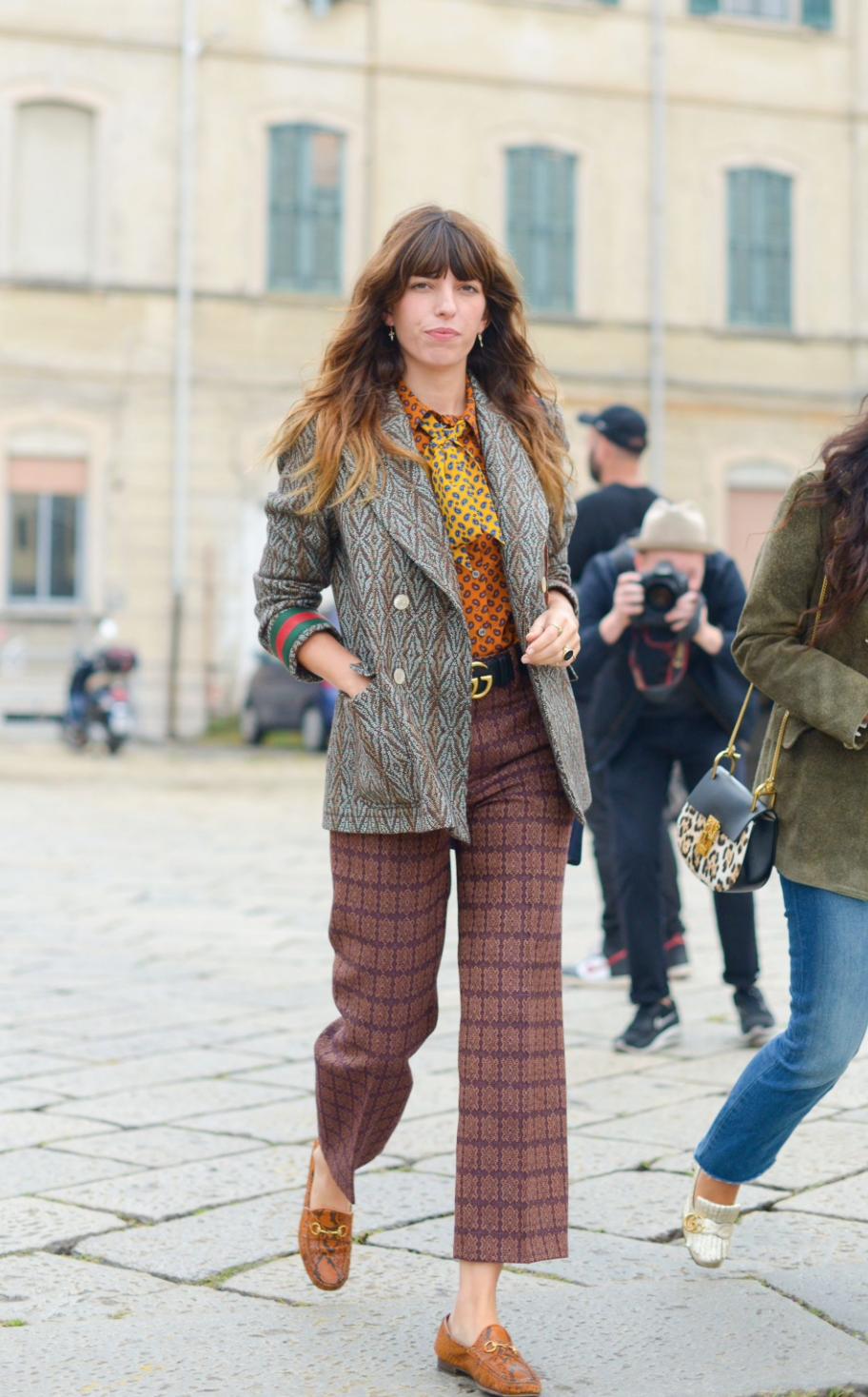 SOURCE:  http://www.telegraph.co.uk/fashion/milan-fashion-week/milan-fashion-week-street-style/lou-doillon-street-style-milan-fashion-week/