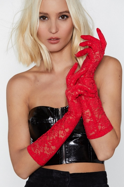 3. THE GLOVES - Gloves are an unique accessory which give you the chance to standout from the crowd. This pair also comes in black!Nasty Gal £4