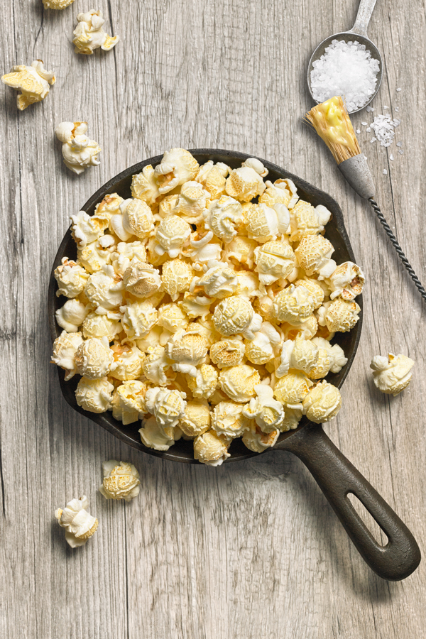 Sea Salt & Butter - NET WT 5.5 OZ (156g)This classic popcorn flavor features a dash of salt and a rich buttery flavor to perk up any movie night, afternoon snack or as a crunchy topping to a creamy cheese soup.