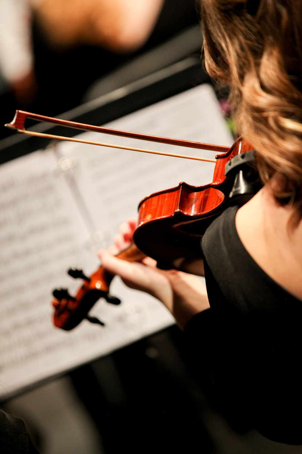 Violin-player-from-above.jpg