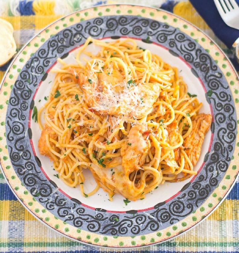 crock-pot-cheesy-chicken-spaghetti-flouronmyface-2.jpg