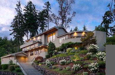 918 Shoreland Drive Southeast, Bellevue | $1,950,000