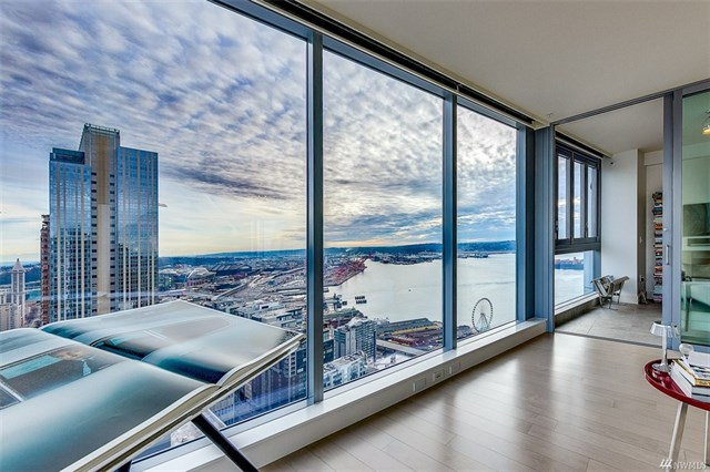 RENTED! 1521 2nd Ave #3402, Seattle
