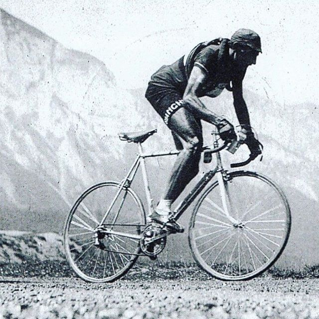 Think about this photo next time you're complaining about your gear. #beast  #VTDirt #cycling #whereiride #oldschool #ridegravel #gravelgrinder #Vermont #roadslikethese #gravelbike #roadbike #cyclinglife #cyclingphotos #velo #bikes #rideyourbike #fit #lifestyle