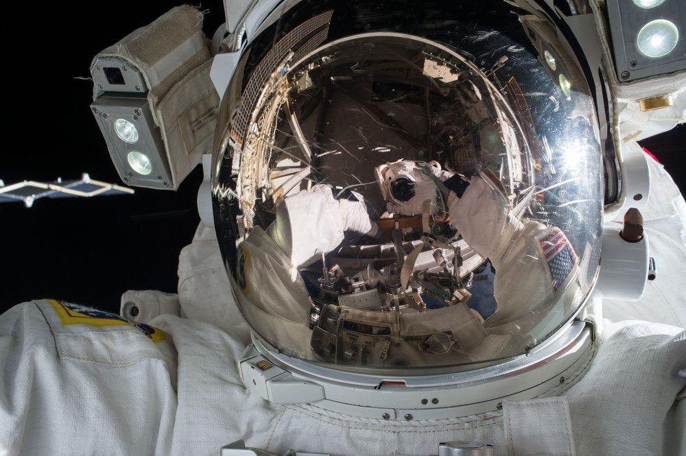 US Spacesuit: Extravehicular Mobility Unit (EMU)
