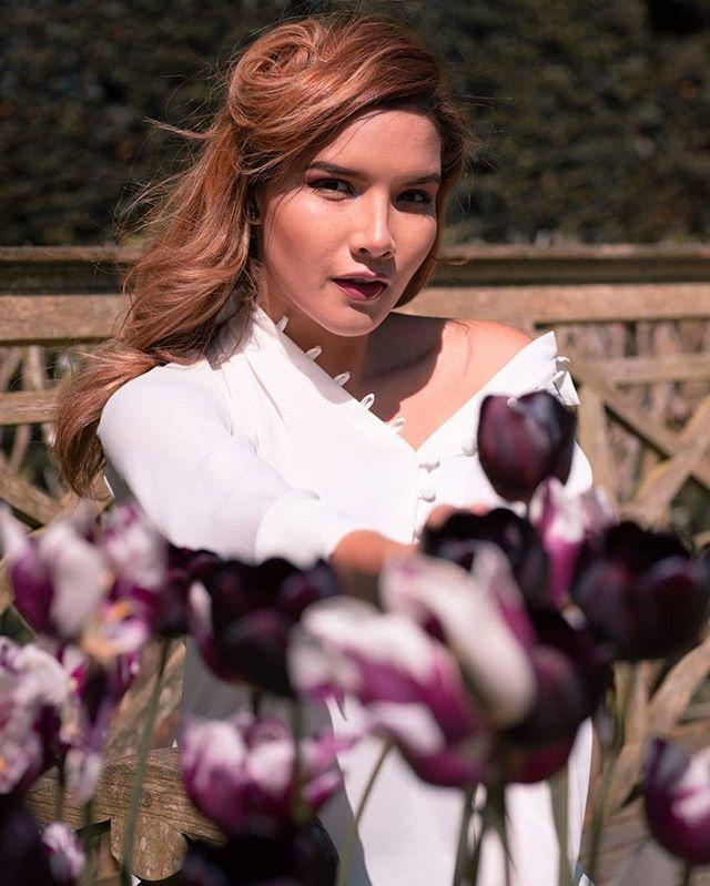Fresh air, fresh thoughts 🍃😌 . . . . . #summerflower #flowerfields #flowerstagram #portrait #top_portraits #postthepeople #justgoshoot #portraits_universe #portraits_ig #flowergram