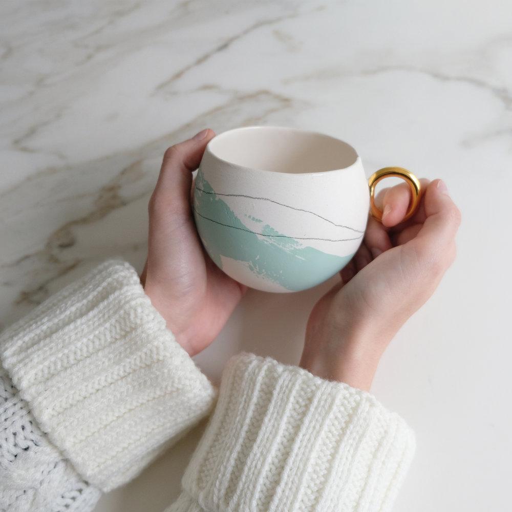 Bermuda Raw and Gold Latte, Tea Mug  , holds 250 ml of peace of mind.