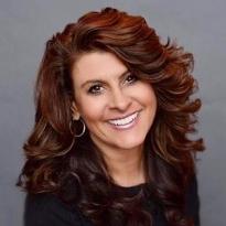 Diana Castro Headshot.jpg