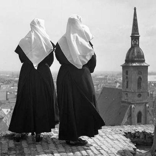 karol-kallay-nuns.jpg