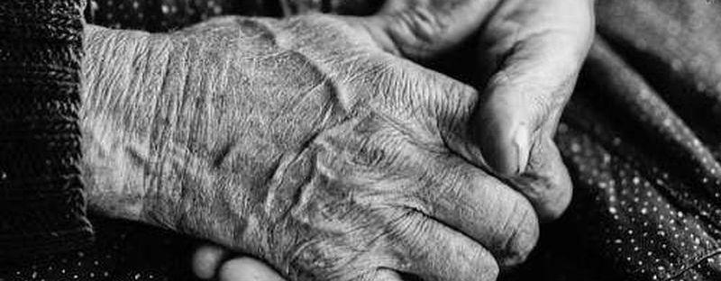 karol-kallay-hands.jpg