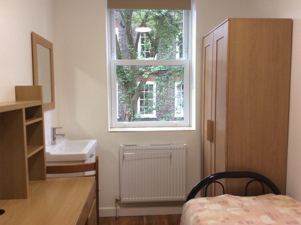 St-Dorothys-International Student-Residence-04-Single-room-7.jpg