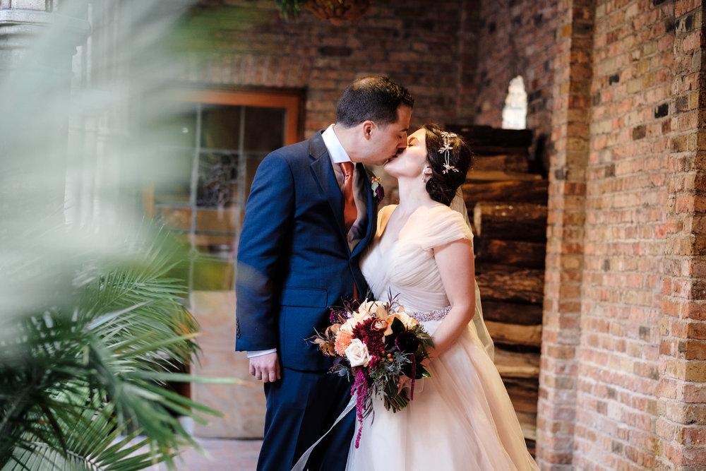 blue suit, orange it fall wisconsin wedding in milwaukee by rockford wedding photographer