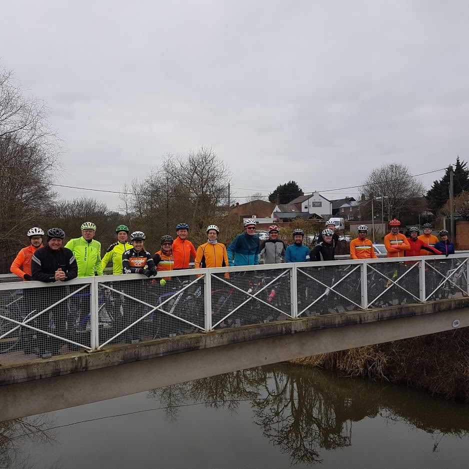 Not A Bridge Too Far for this lot, more like A Bridge Halfway. L to R: Simon, Graham, Dave, Phil, Katie, Becky, Dave, Jochen, Steve, Mike, Bennet, Lee, Carl, Christian, Mark, Russell, Andrew, Vikki. What a team!