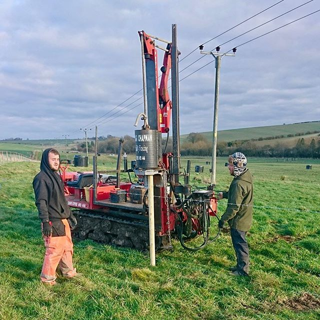 It's been a cold weekend but preparations to welcome our #LincolnReds home next week are progressing - kilometres of new fencing are being erected to keep them safe & sound. #Pasture4Life #GoNative http://ow.ly/sy9z30n0HYP