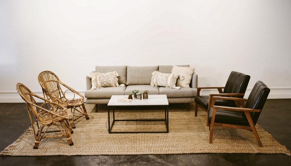 irving lounge
